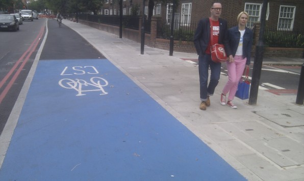 Cycle route and pedestrian priority: Magree Street London